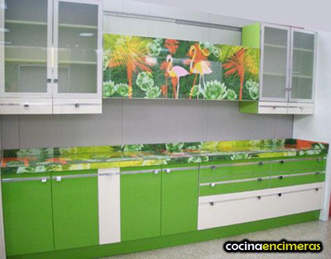 Дизайн кухни зеленого цвета фото
